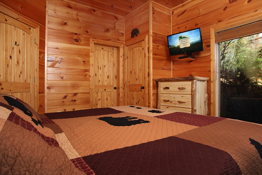 Photo of a Gatlinburg Cabin named Bear's Eye View - This is the seventeenth photo in the set.