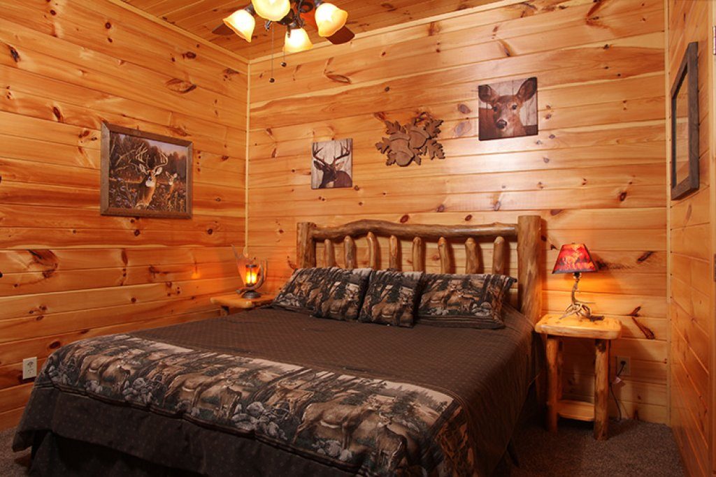 Photo of a Gatlinburg Cabin named Bear's Eye View - This is the twenty-seventh photo in the set.