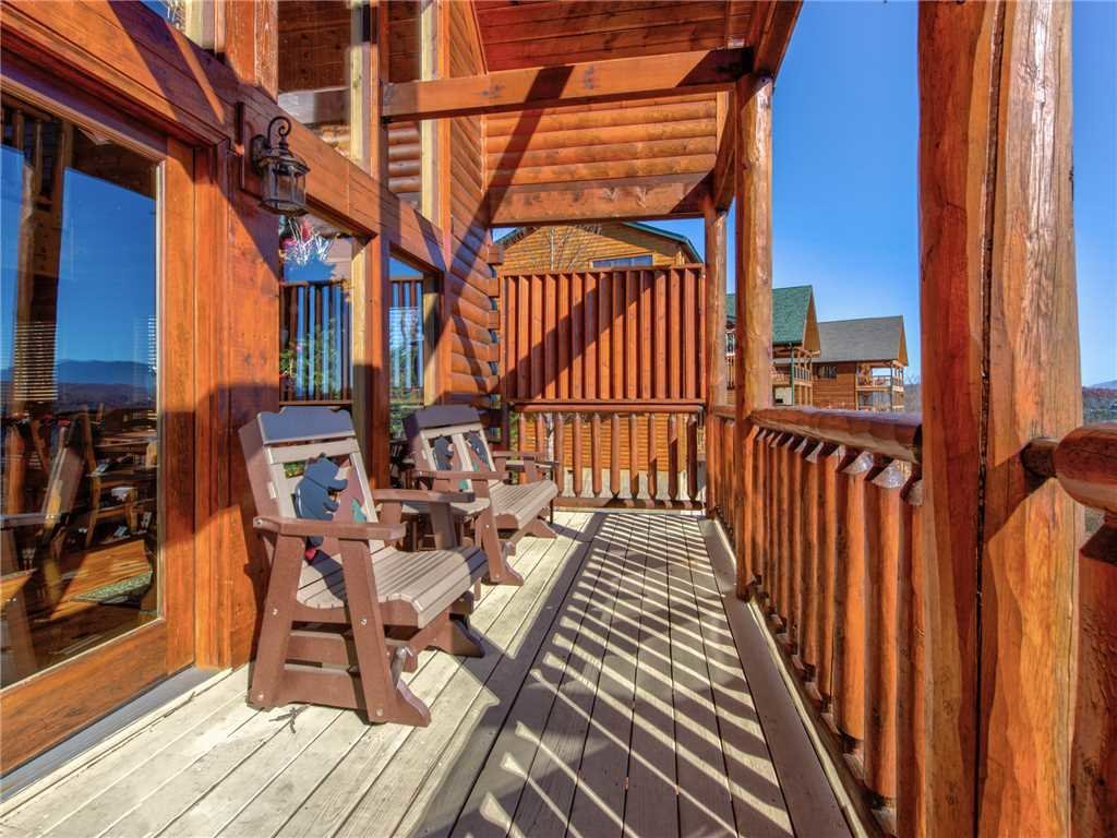 Photo of a Gatlinburg Cabin named Bear's Eye View - This is the thirtieth photo in the set.