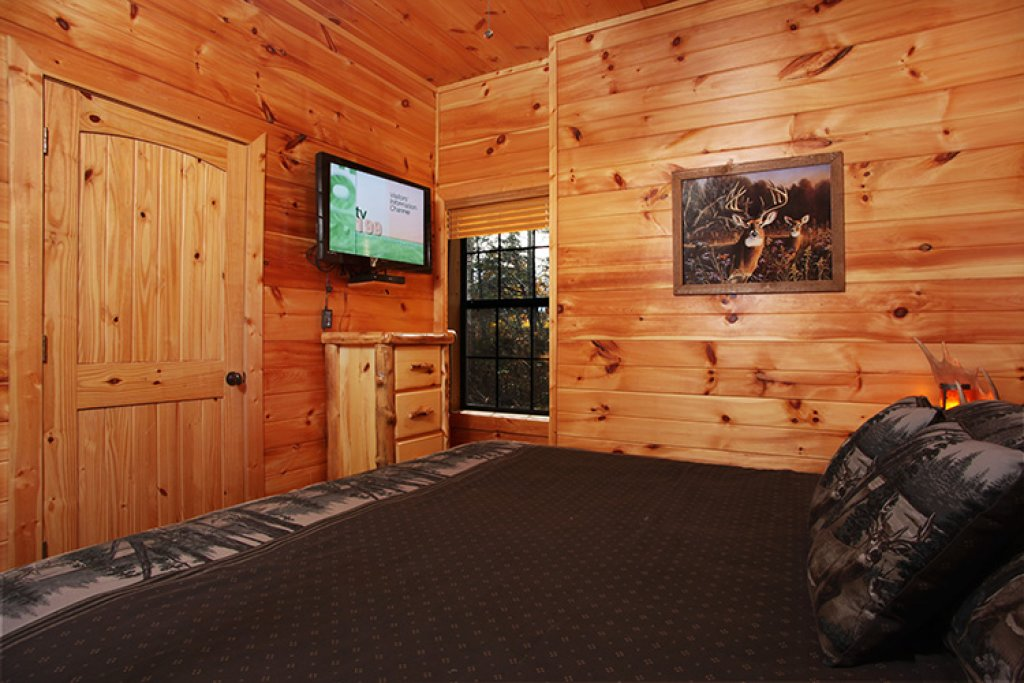 Photo of a Gatlinburg Cabin named Bear's Eye View - This is the twenty-eighth photo in the set.