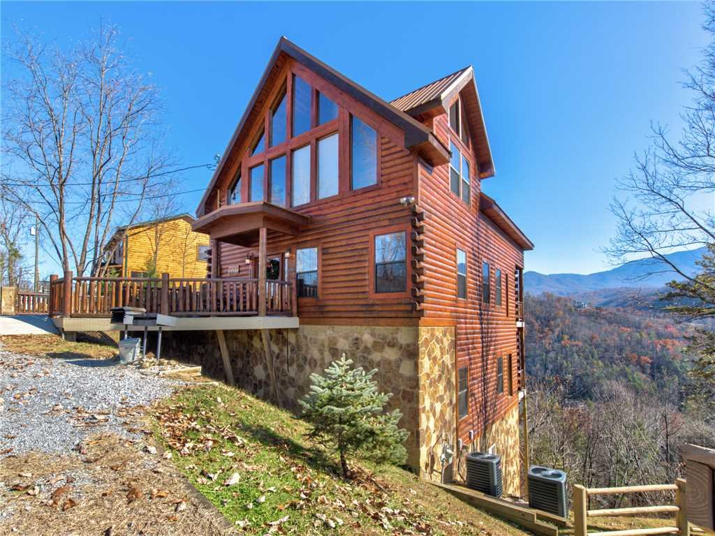 Photo of a Gatlinburg Cabin named Bear's Eye View - This is the thirty-fourth photo in the set.