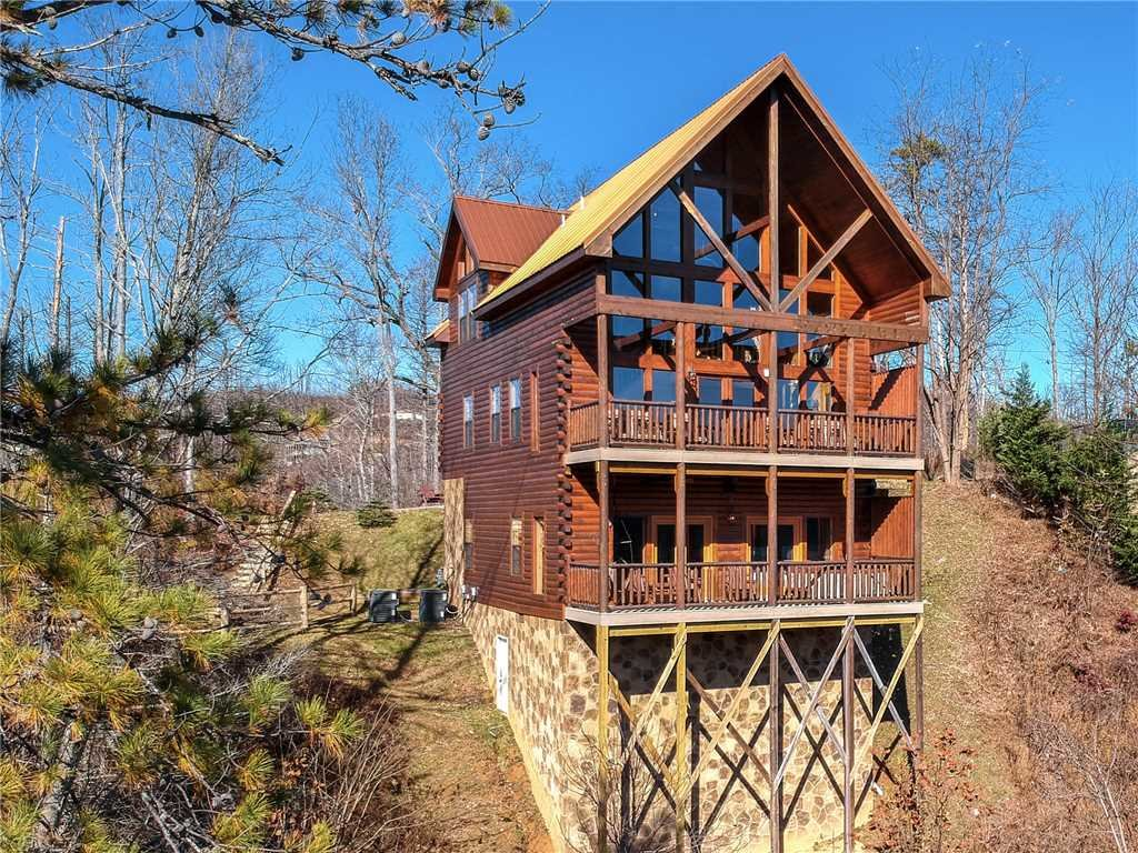 Photo of a Gatlinburg Cabin named Bear's Eye View - This is the thirty-fifth photo in the set.