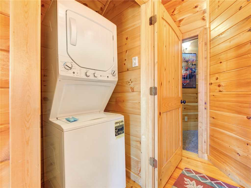 Photo of a Gatlinburg Cabin named Bear's Eye View - This is the twenty-ninth photo in the set.