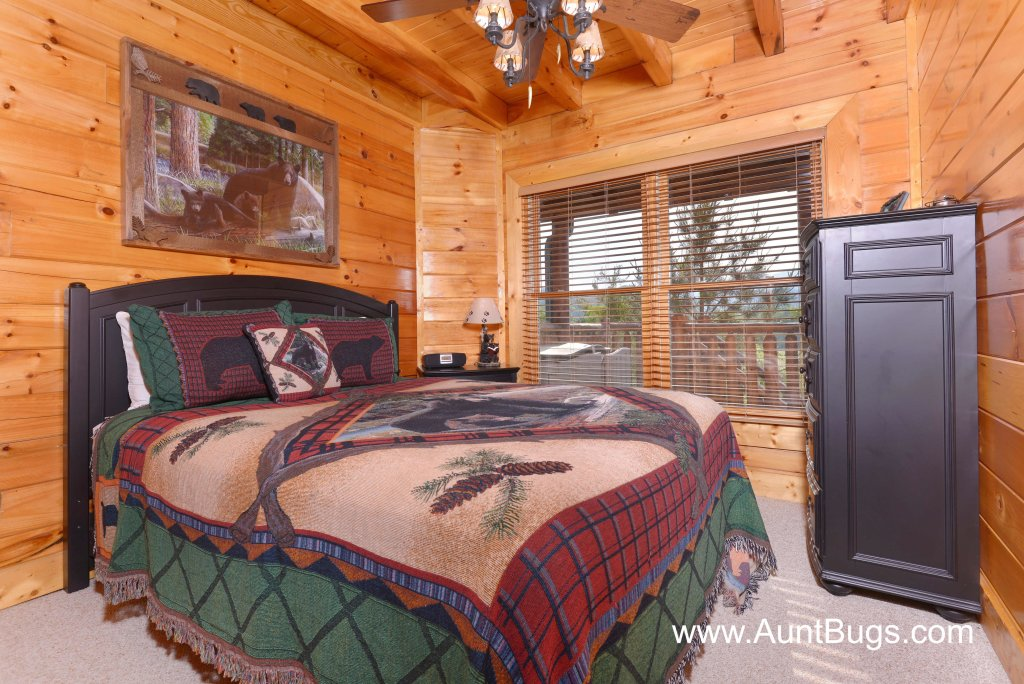 Photo of a Sevierville Cabin named Farmers Retreat #221 - This is the twenty-first photo in the set.