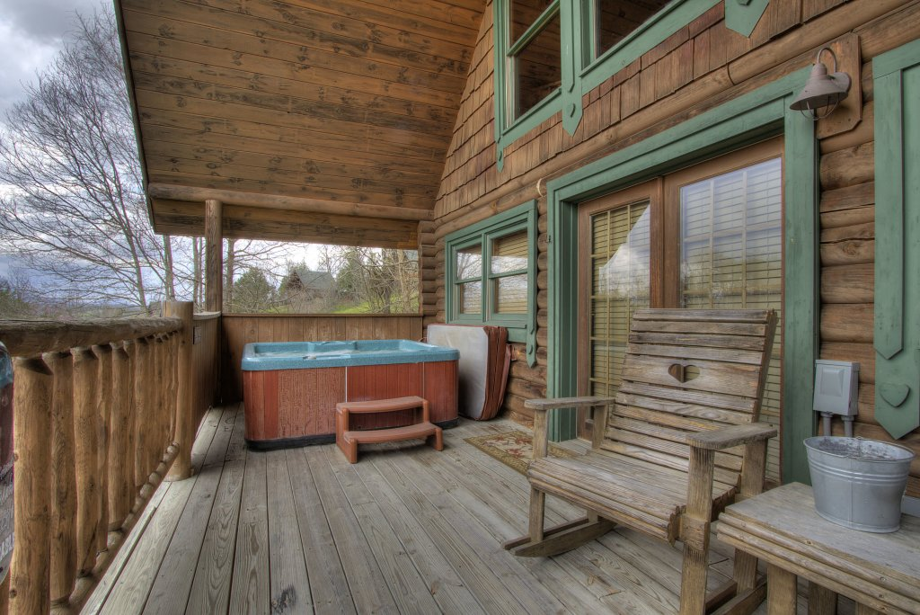Photo of a Pigeon Forge Cabin named A Moonlight Ridge #162 - This is the third photo in the set.