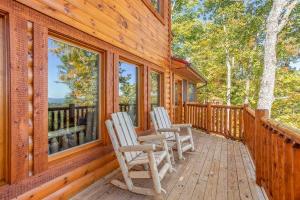 Photo of a Gatlinburg Cabin named Panorama - This is the sixteenth photo in the set.