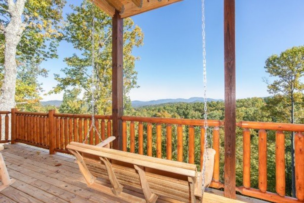 Photo of a Gatlinburg Cabin named Panorama - This is the seventeenth photo in the set.