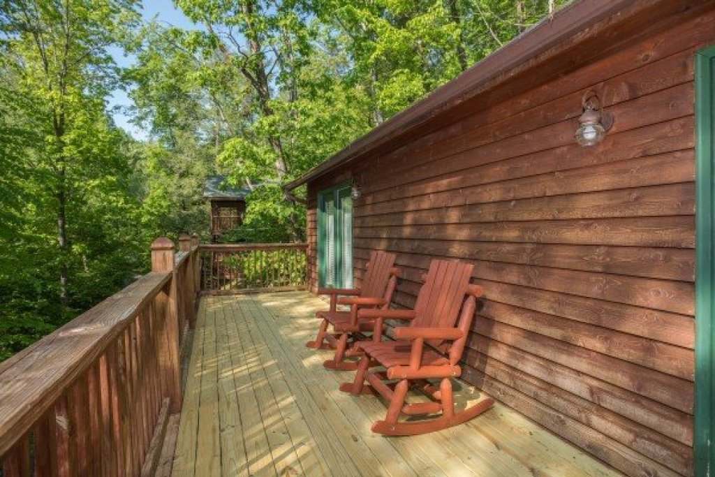 Photo of a Sevierville Cabin named Hidden Pines - This is the ninth photo in the set.