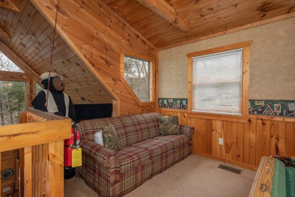 Photo of a Pigeon Forge Cabin named Hooked On Bears - This is the twelfth photo in the set.