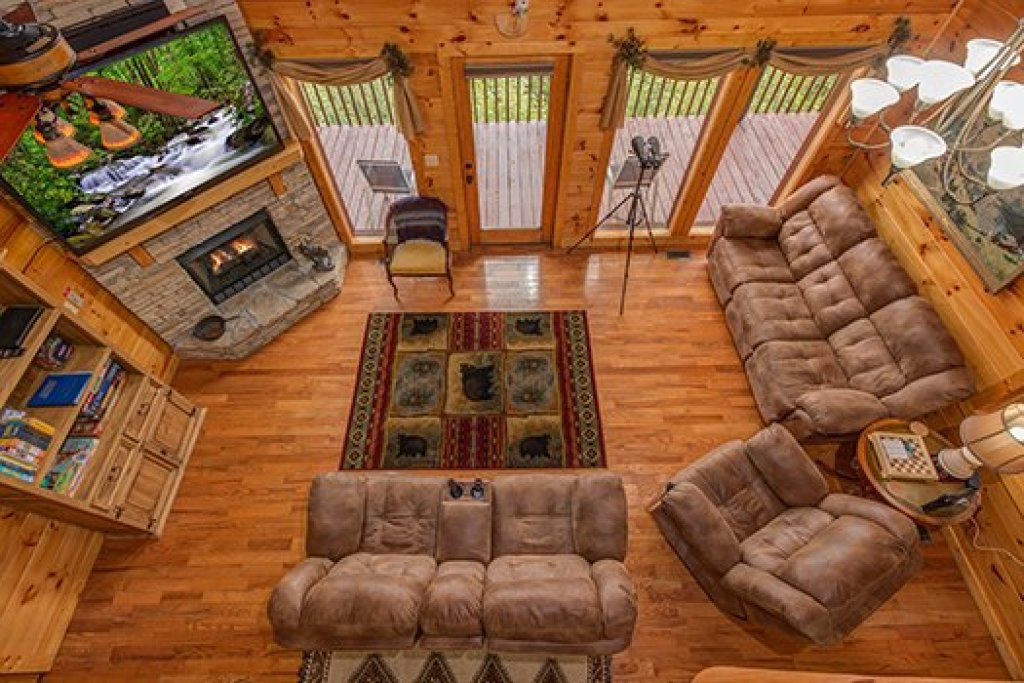 Photo of a Sevierville Cabin named Hummingbird's Views - This is the sixth photo in the set.