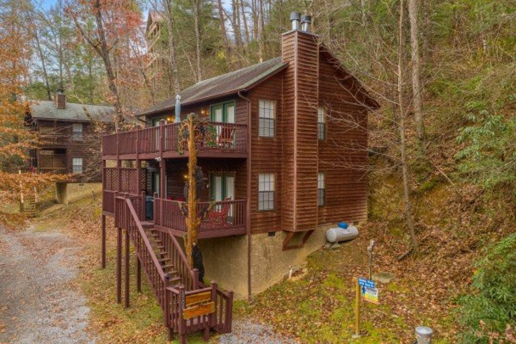 Photo of a Sevierville Cabin named Hidden Pines - This is the twenty-eighth photo in the set.