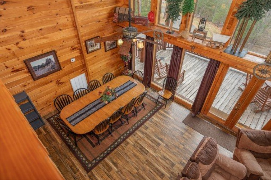 Photo of a Sevierville Cabin named True Grit - This is the sixteenth photo in the set.