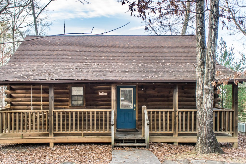 Photo of a Sevierville Cabin named A Hen House - This is the second photo in the set.