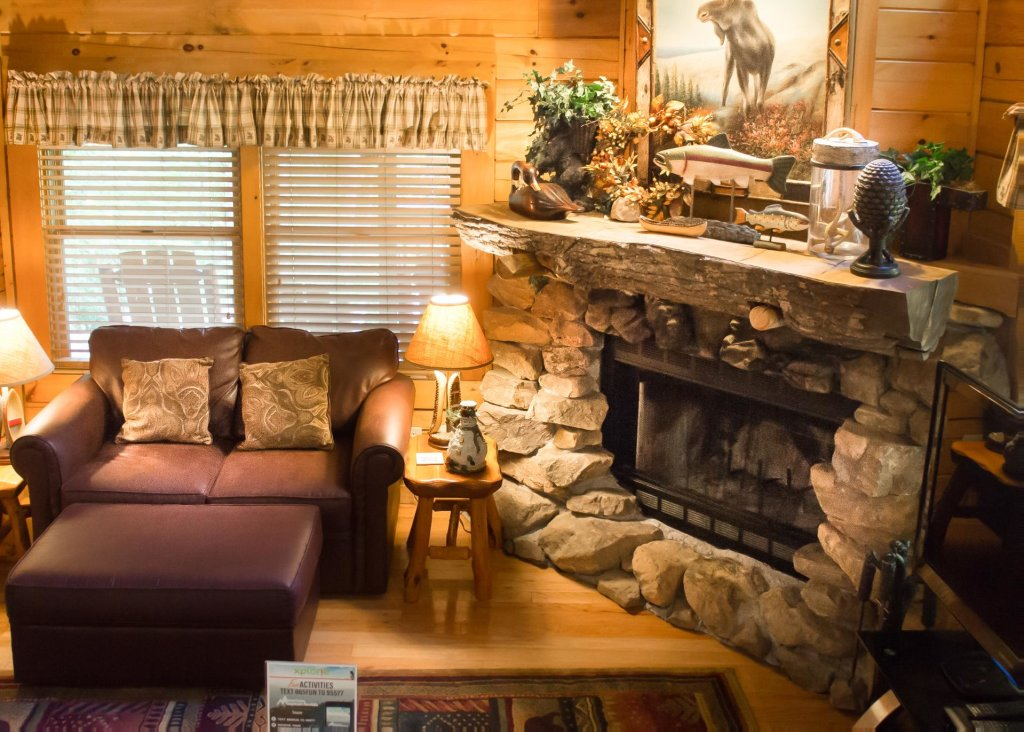 Photo of a Sevierville Cabin named Mountain Dreams #24 - This is the fifth photo in the set.