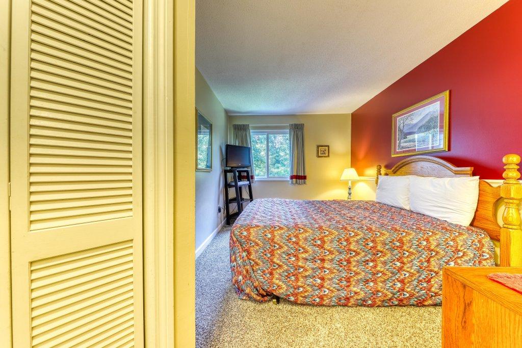 Photo of a Gatlinburg Cabin named Summit Woods Condo - This is the fourteenth photo in the set.