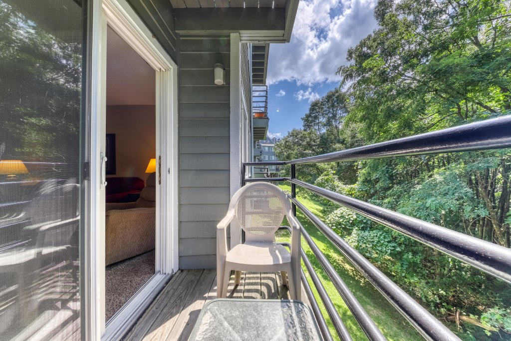 Photo of a Gatlinburg Cabin named Summit Woods Condo - This is the twenty-fifth photo in the set.