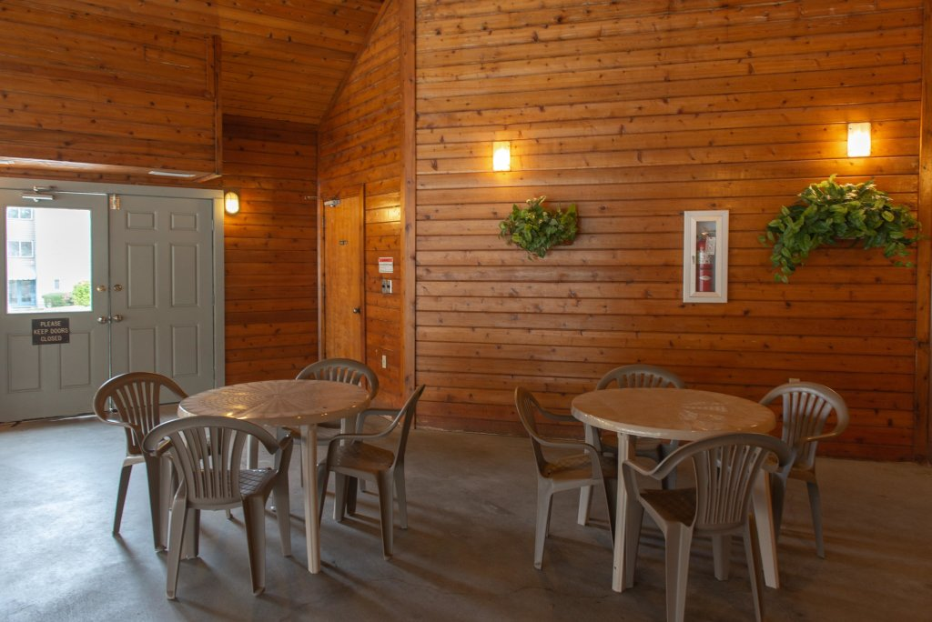 Photo of a Gatlinburg Cabin named Summit Woods Condo - This is the thirty-fourth photo in the set.