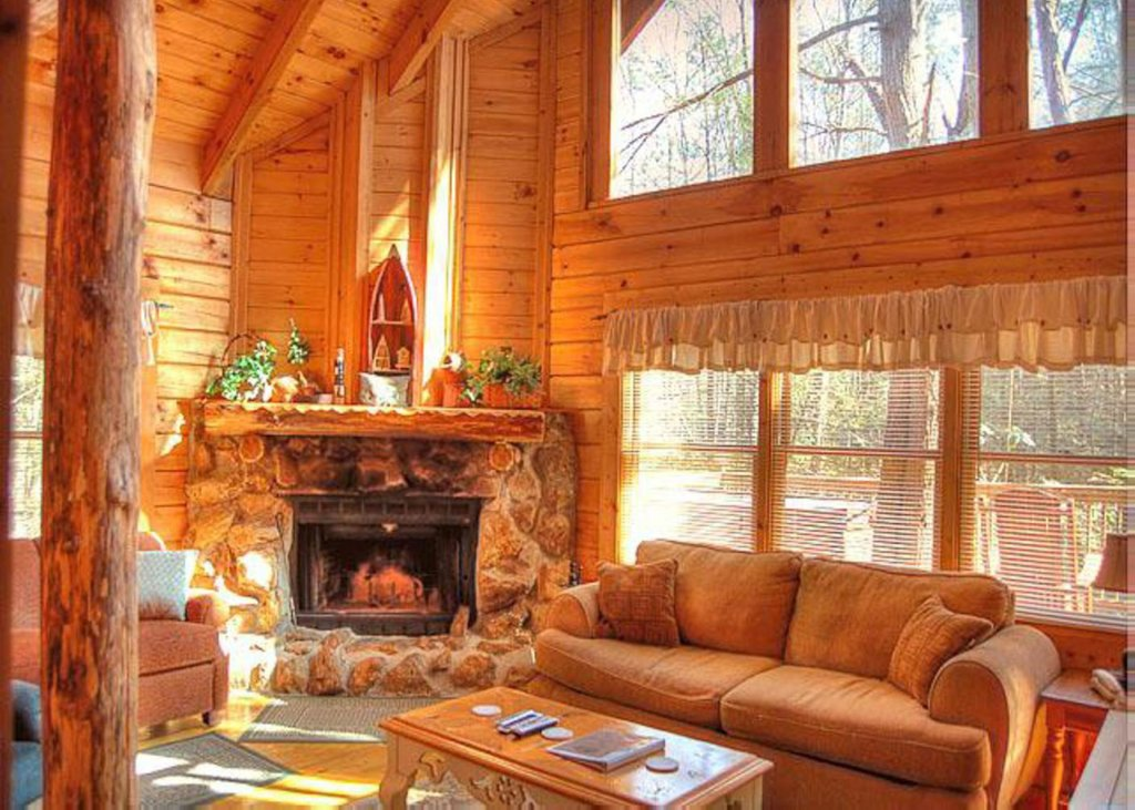 Photo of a Sevierville Cabin named Hook's Haven #2 - This is the third photo in the set.