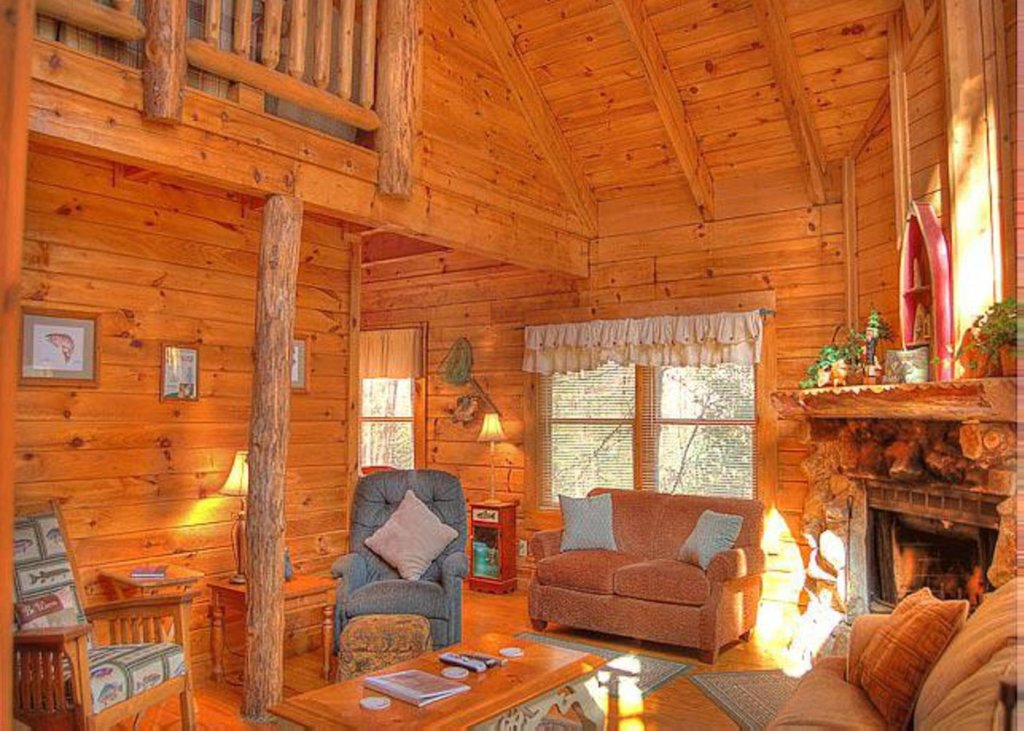 Photo of a Sevierville Cabin named Hook's Haven #2 - This is the second photo in the set.