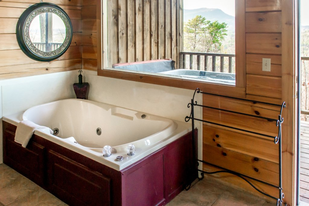 Photo of a Sevierville Cabin named All About Romance - This is the twelfth photo in the set.