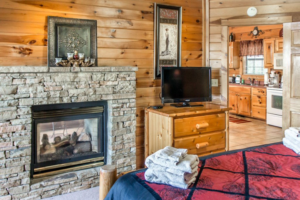 Photo of a Sevierville Cabin named All About Romance - This is the ninth photo in the set.