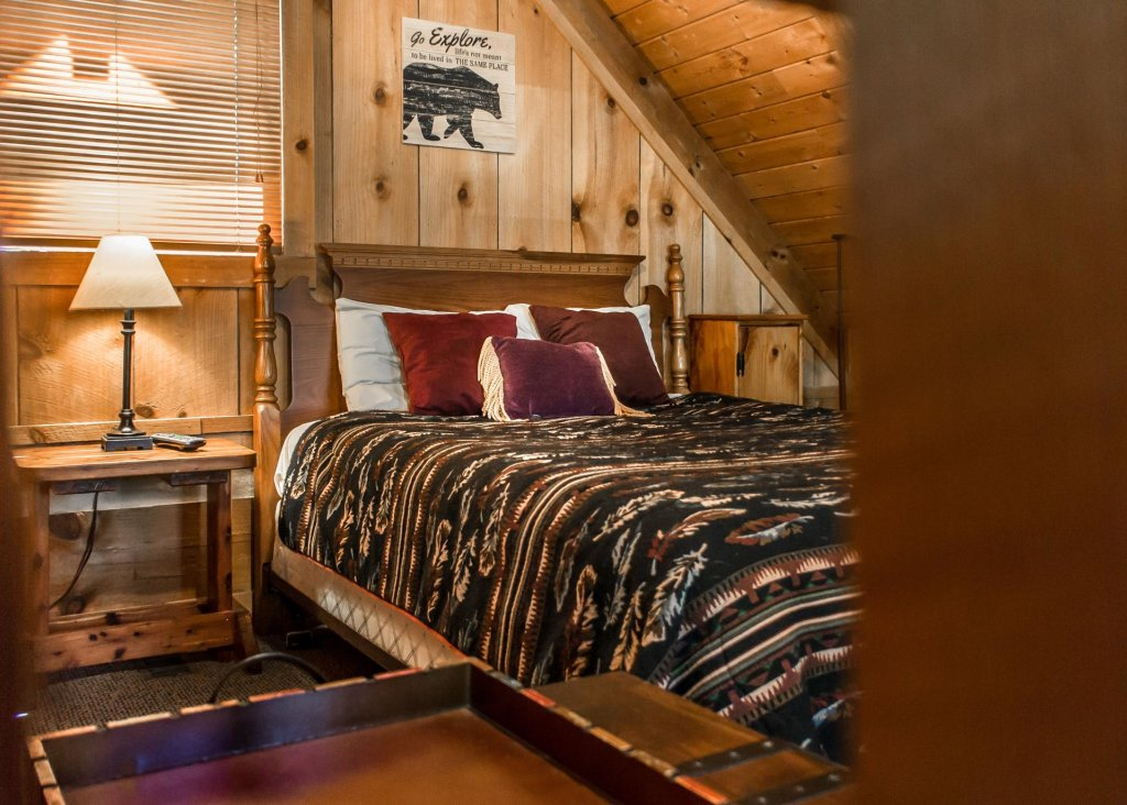 Photo of a Gatlinburg Cabin named Sequoyah - This is the sixteenth photo in the set.