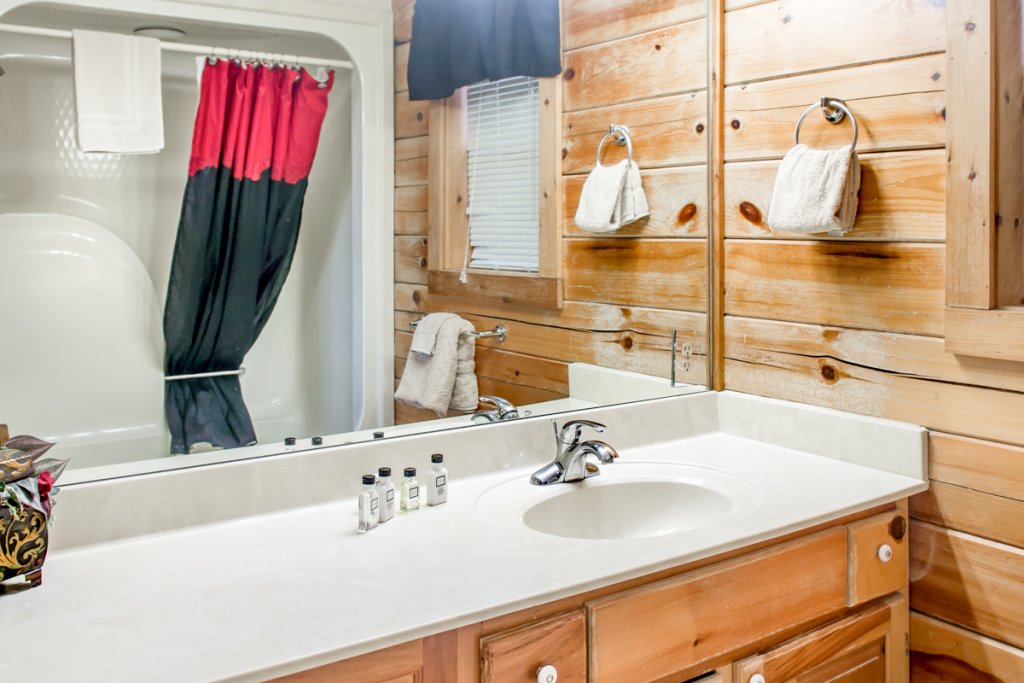 Photo of a Sevierville Cabin named All About Romance - This is the thirteenth photo in the set.