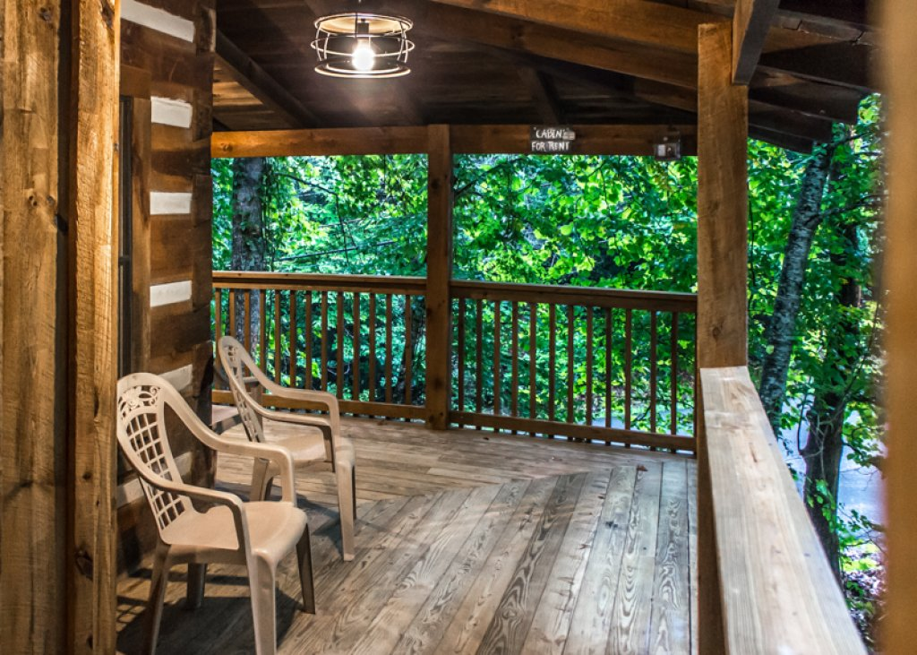 Photo of a Gatlinburg Cabin named Hatfield Hideaway - This is the third photo in the set.