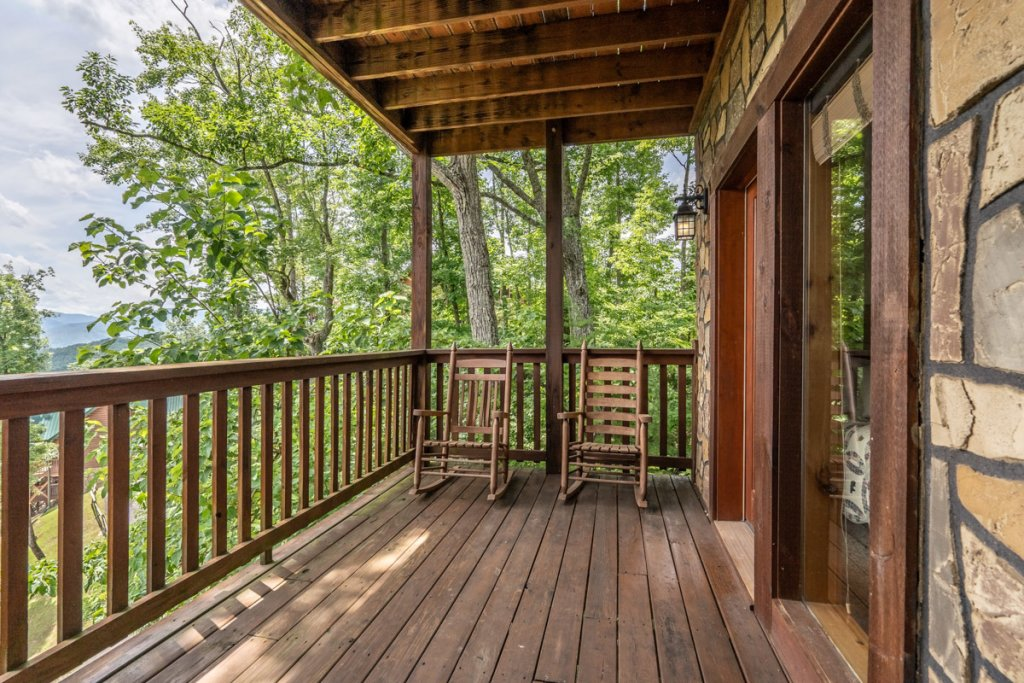 Photo of a Gatlinburg Cabin named Closer To Home - This is the fortieth photo in the set.