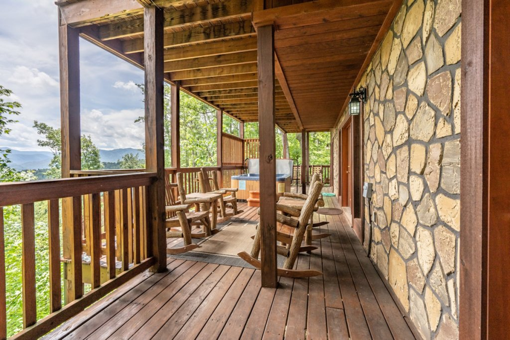 Photo of a Gatlinburg Cabin named Closer To Home - This is the forty-first photo in the set.