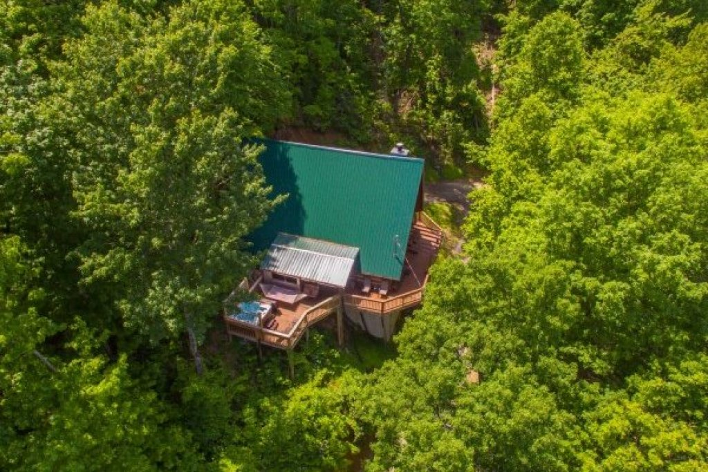 Photo of a Gatlinburg Cabin named Soaring Heights - This is the twenty-eighth photo in the set.