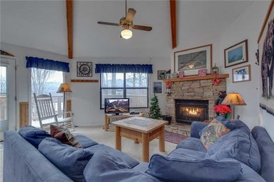 Bearadise 2, 2 Bedrooms, Pool Access, Hot Tub, Fireplace, Wifi, Sleeps 4