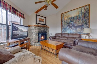 Right At Home - 2 Bedrooms, 1 Baths, Sleeps 6