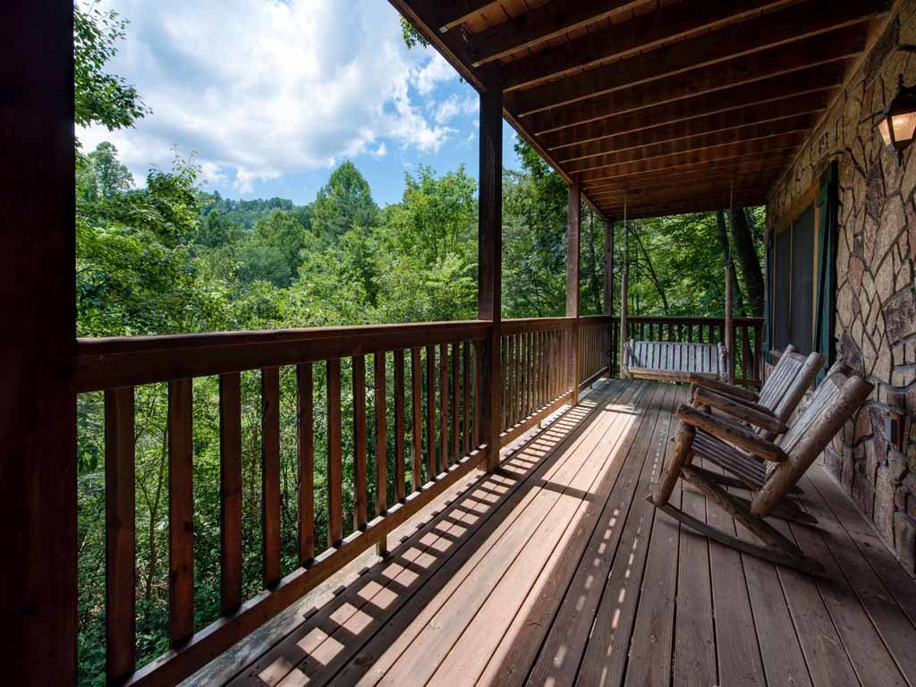 Photo of a Gatlinburg Cabin named Running Bear - This is the twentieth photo in the set.