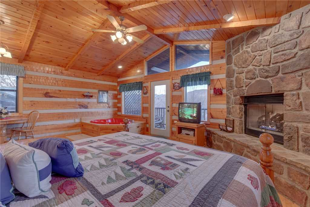 Photo of a Gatlinburg Cabin named Mountain Splendor - This is the twelfth photo in the set.