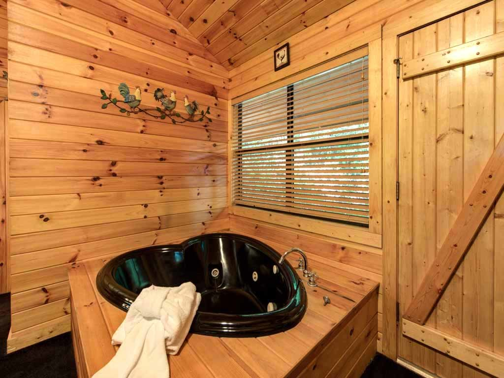 Photo of a Sevierville Cabin named Rooster Way - This is the tenth photo in the set.