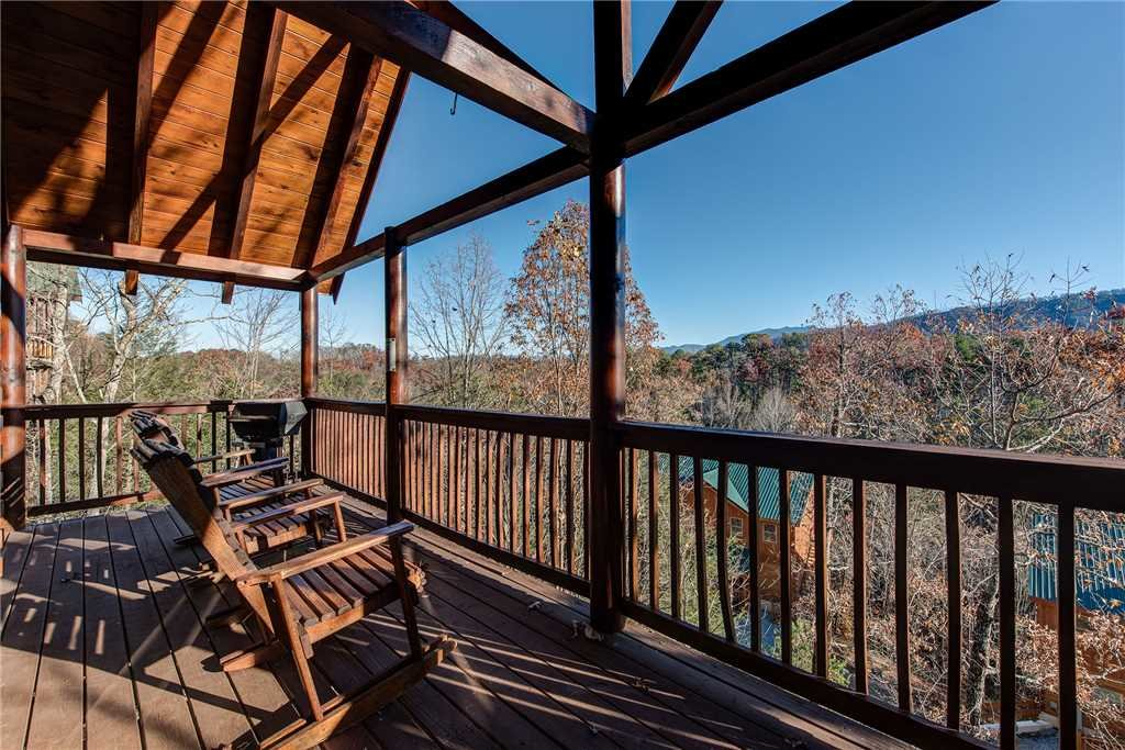 Photo of a Pigeon Forge Cabin named Chalet Of Dreams - This is the eighteenth photo in the set.