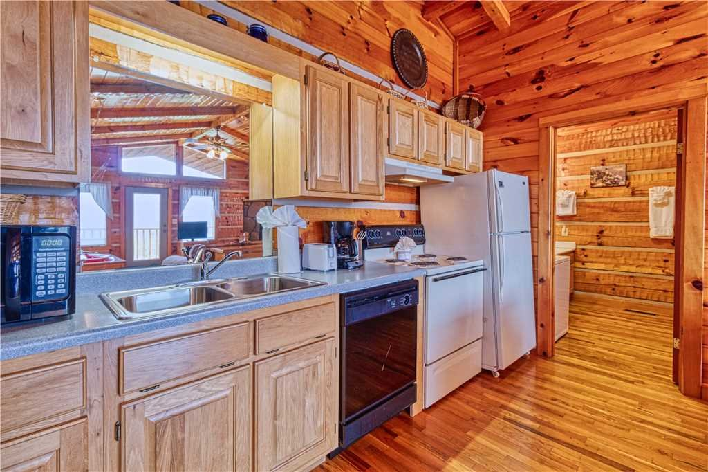 Photo of a Gatlinburg Cabin named Love Me Tender - This is the seventh photo in the set.
