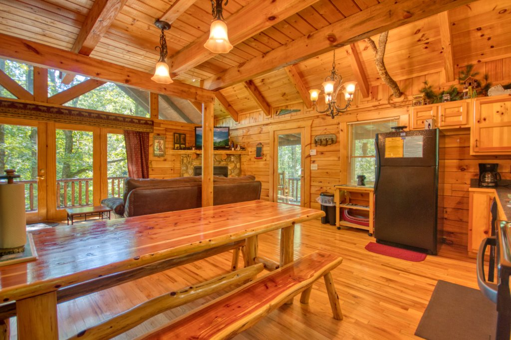Photo of a Gatlinburg Cabin named Browns Bear Den #235 - This is the fourteenth photo in the set.