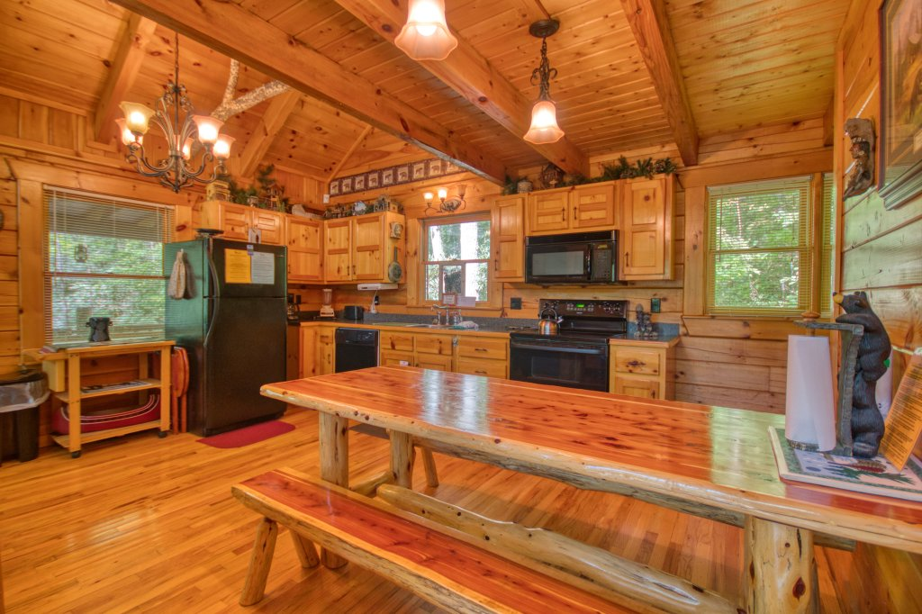 Photo of a Gatlinburg Cabin named Browns Bear Den #235 - This is the thirteenth photo in the set.