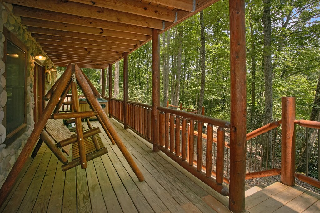 Photo of a Gatlinburg Cabin named Browns Bear Den #235 - This is the twenty-fifth photo in the set.