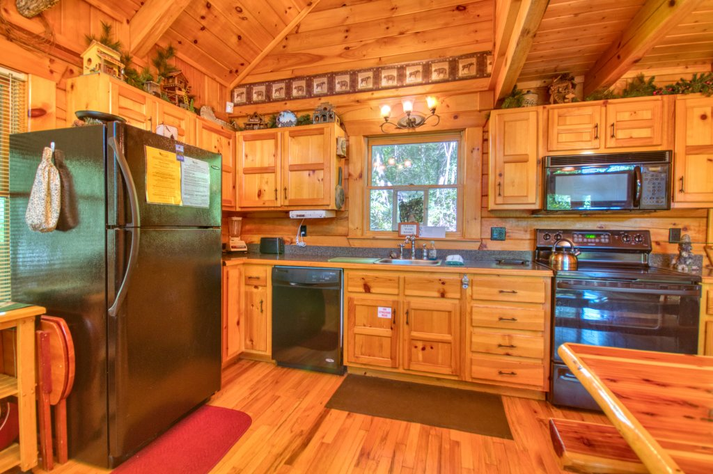 Photo of a Gatlinburg Cabin named Browns Bear Den #235 - This is the fifteenth photo in the set.