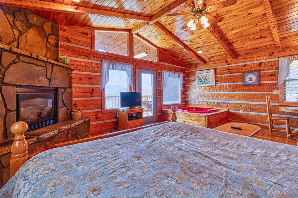 Photo of a Gatlinburg Cabin named Love Me Tender - This is the ninth photo in the set.