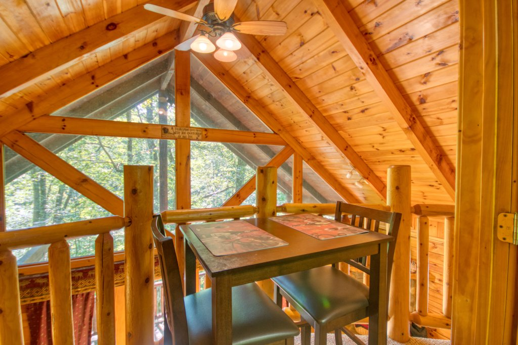 Photo of a Gatlinburg Cabin named Browns Bear Den #235 - This is the nineteenth photo in the set.