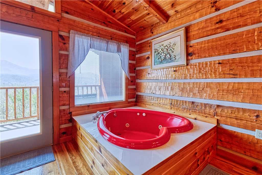 Photo of a Gatlinburg Cabin named Love Me Tender - This is the tenth photo in the set.