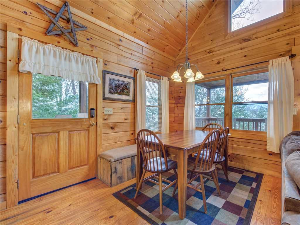 Photo of a Gatlinburg Cabin named Dew South - This is the seventh photo in the set.