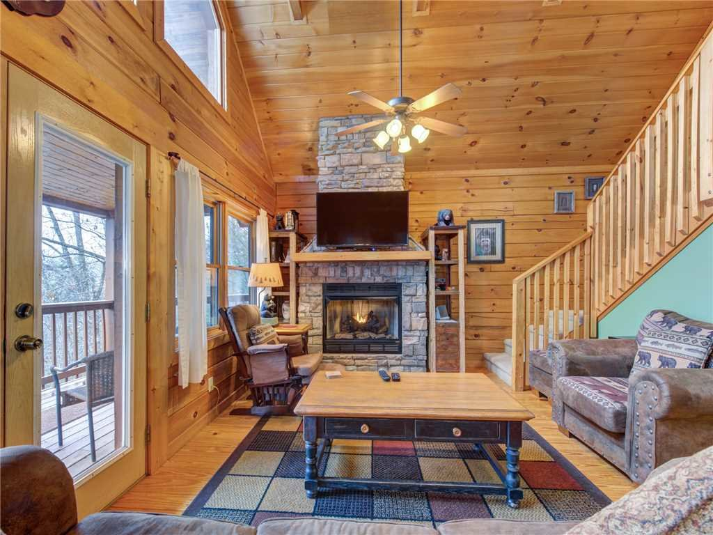 Photo of a Gatlinburg Cabin named Dew South - This is the fifth photo in the set.