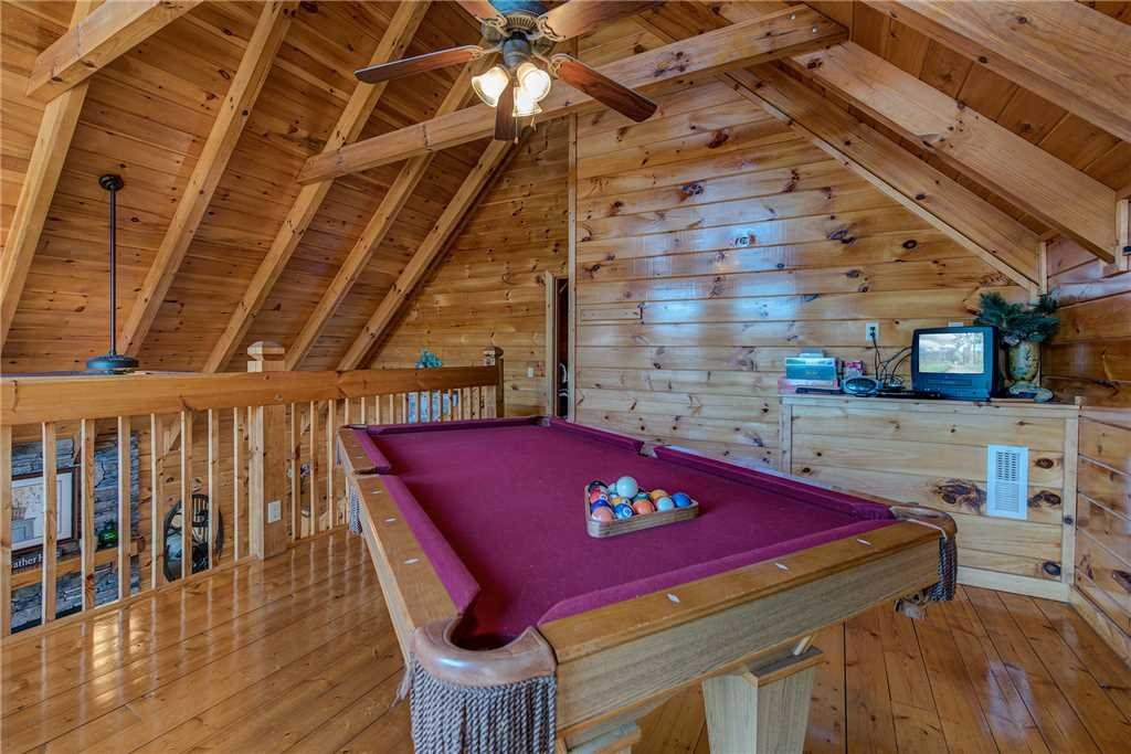 Photo of a Pigeon Forge Cabin named Chalet Of Dreams - This is the tenth photo in the set.