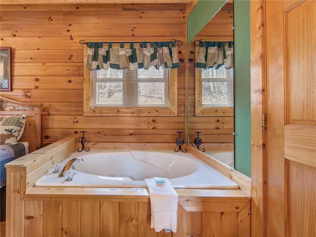 Photo of a Gatlinburg Cabin named Dew South - This is the twelfth photo in the set.