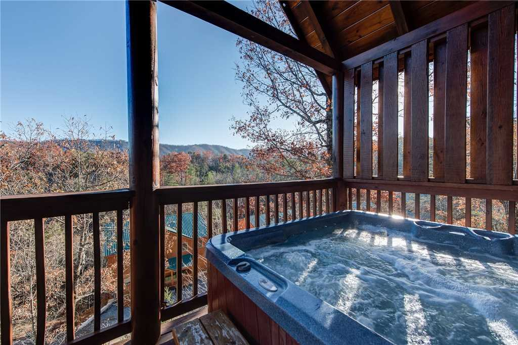 Photo of a Pigeon Forge Cabin named Chalet Of Dreams - This is the second photo in the set.